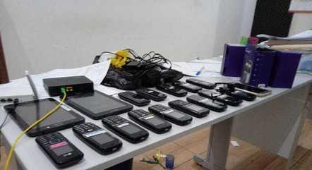 Celulares e tablets eram usados para cobrar vítimas
