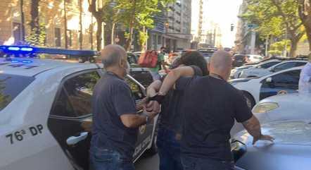 Homem foi preso após o crime