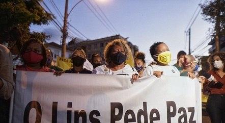 Manifestantes pediram justiça por morte de jovem