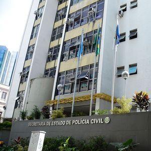 Polícia faz operação contra construção irregular