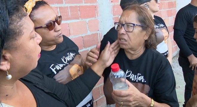Maria Edna do Carmo, mãe do pastor Anderson, participou da homenagem