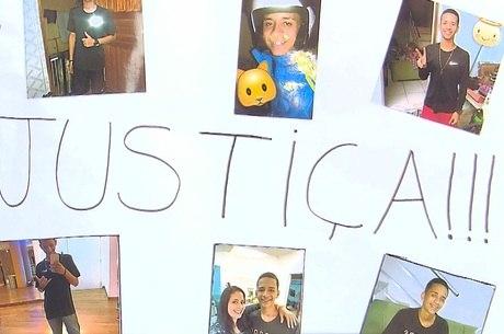 Familiares de jovens mortos pedem justiça
