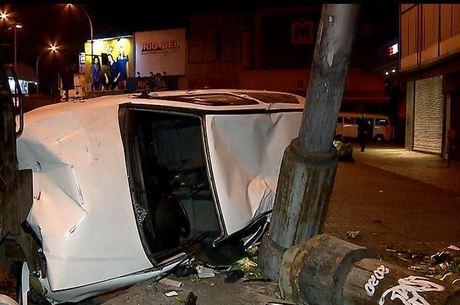 Vítima, de 21 anos perdeu o controle do veículo