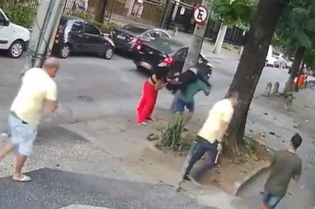 Câmeras de segurança flagraram agressões à médica