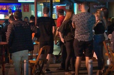 Decreto mantém bares e restaurantes abertos
