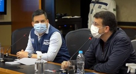 Márcio Garcia e Daniel Soranz em coletiva