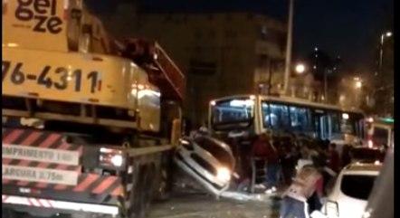 Acidente deixou 13 feridos e uma pessoa morta