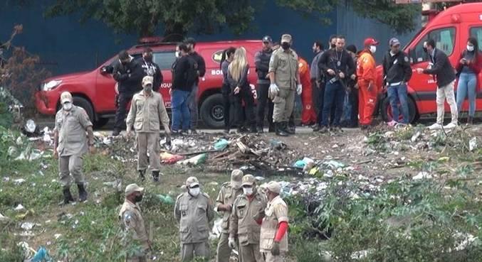 Forças-tarefa da polícia e bombeiros realiza buscas por meninos na Baixada