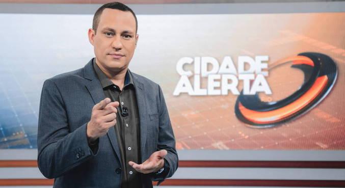 Ernani Alves apresenta os principais destaques do dia no Cidade Alerta Rio
