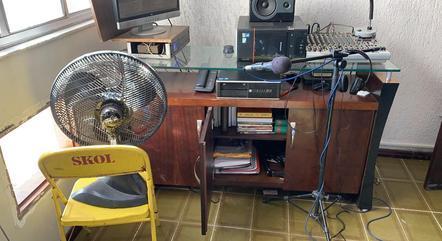 Equipamentos utilizados em uma das rádios