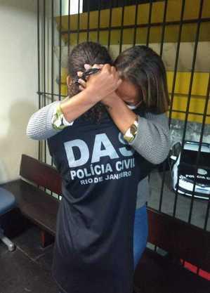 Vítima na delegacia após resgate
