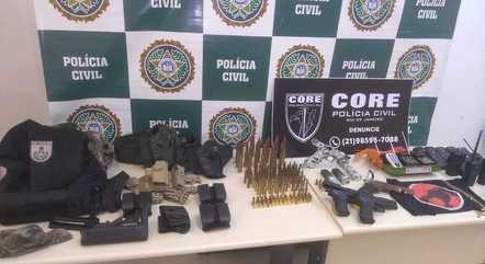 Polícia apreendeu armas e munições durante a ação