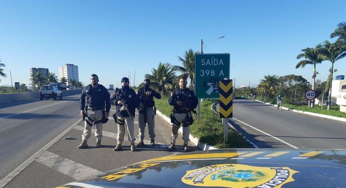 Agentes da PRF bloquearam acesso à cidade de Itaguaí para evitar manifestações