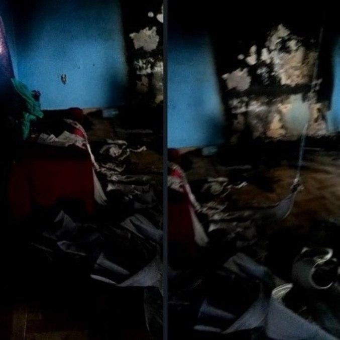 Sala da casa ficou parcialmente destruída