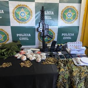 Dupla oferece R$ 500 mil a agentes em tentativa de evitar prisão no RJ