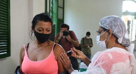 Moradores foram vacinados com doses da Janssen