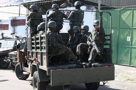 Resultado de imagem para fotos do exército