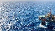 Surto de covid-19 em plataforma ameaça produção de petróleo