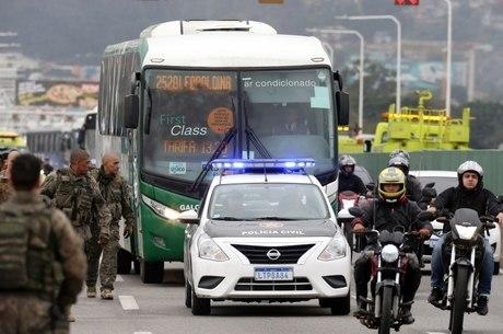 Sequestrador fez 37 reféns em ônibus