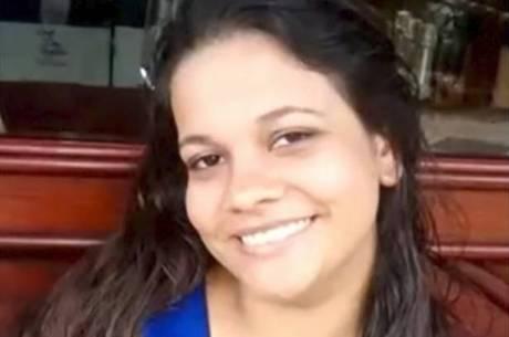 Mulher foi morta enquanto tentava proteger o filho