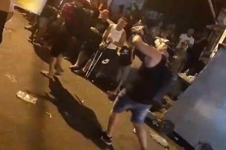 Imagens mostram  o grupo aparece fortemente armado