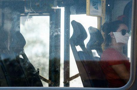 Decreto reduz a restrição à lotação em transporte público