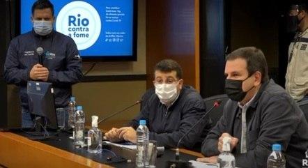 Paes, Soranz e Garcia durante 31º Boletim Epidemiológico