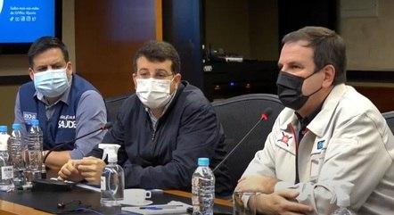 Garcia, Soranz e Paes durante coletiva