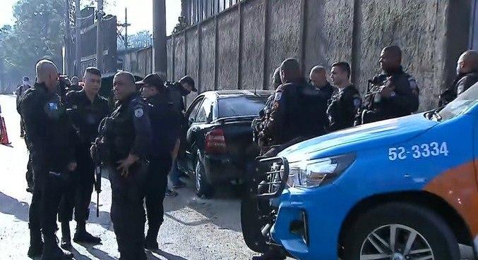 PM foi encontrado em seu carro com marcas de tiro na avenida Brasil
