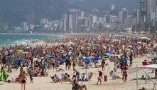 Com 34º C no inverno, Rio tem praias cheias neste sábado (21)
