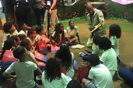 Crianças acompanharam leituras e entrevistas