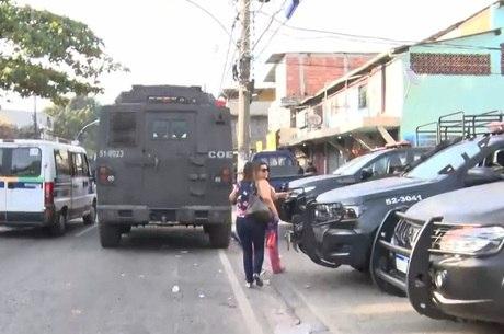 Moradores da Cidade de Deus sofrem com os tiroteios