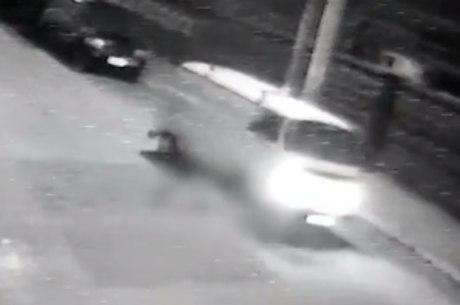 Imagem mostra mulher sendo atropelada