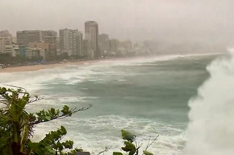 Marinha emitiu alerta de ressaca para a costa do Rio