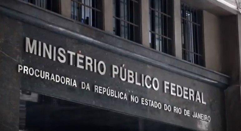 Ação civil pública para que os estabelecimentos federais de ensino voltem às aulas presenciais