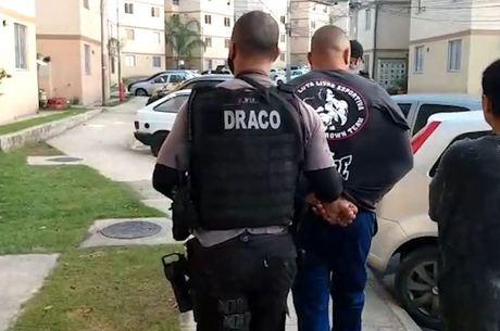 Agentes fazem buscas em Nova Iguaçu