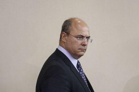 Witzel está afastado por decisão do STJ