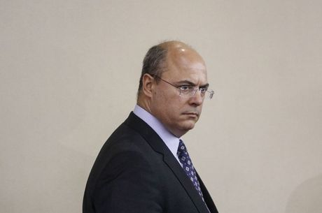 Witzel está afastado do cargo há mais de um mês