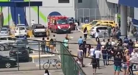 Homem morre depois de ser baleado em mercado no Rio