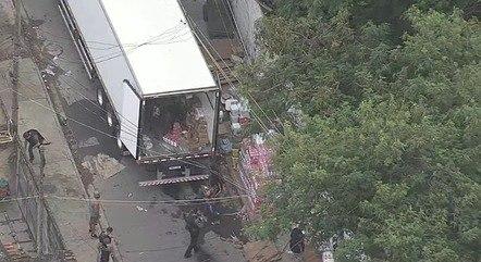 Caminhão com carga foi recuperado na zona norte