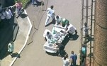 As equipes do hospital também tentaram retirar o maior número possível de equipamentos dos andares superiores do prédio