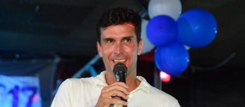 Luiz Lima esteve no bairro do Catete
