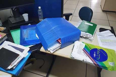 Documentos foram apreendidos durante as ações em Arraial