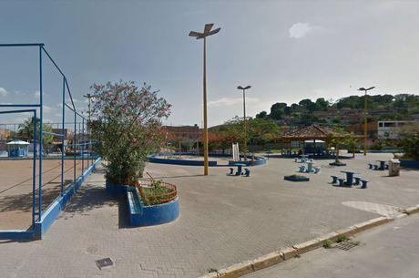 Praça fica próxima ao morro no qual suspeitos moram