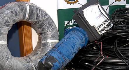 """Polícia faz operação contra """"sequestro"""" de antenas no Rio"""