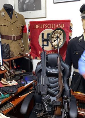 Homem colecionava material nazista