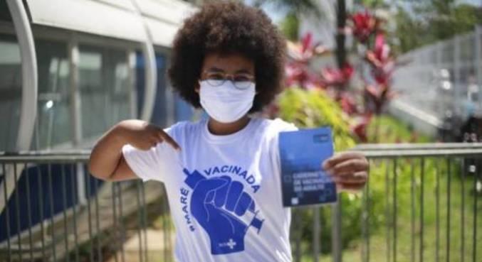 Moradores da Maré vão completar ciclo de imunização nesta semana