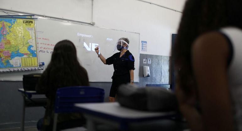 Rio pode retomar aulas presenciais em escolas públicas e particulares