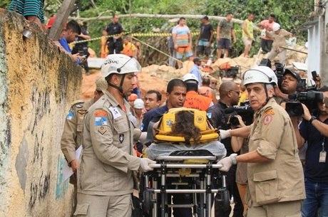 Vítimas foram levadas para hospitais da região