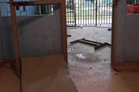 Unidade foi danificada após rebelião de internos